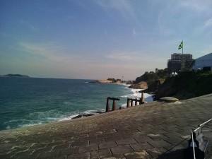 forte-de-copacabana-praia-diabo